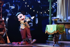 2016-N024271-Mickey-and-the-Magician