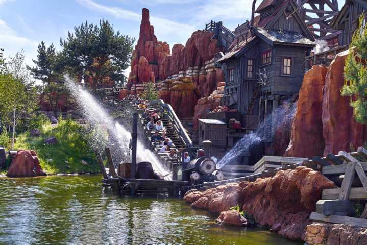 Disneyland_Paris_Frontierland-14