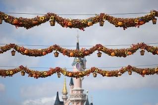 Decor-Disneys-Halloween-Festival