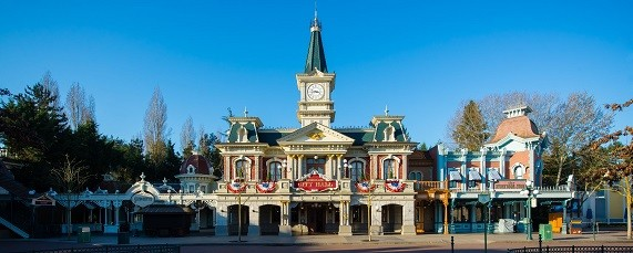 Main_Street_Disneyland_Disney-3