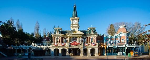 Main_Street_Disneyland_Disney-3