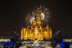 """SHANGHAI (June 15, 2016) On the eve of the Grand Opening of Shanghai DisneyResort, Disney celebrated the historic occasion with a star-studded, two-hour broadcastthat captured the extraordinary spirit of the first Disney resort in MainlandChina.The broadcast included a Grand Opening gala concert withworld-renowned composer Tan Dun conducting the Shanghai SymphonyOrchestra in an inspiring performance of his original composition, """"Ignitingthe Magical Dream."""" The one and only Mickey Mouse joinedthe enchanting gala and Disney stories came to life with dazzling projections and lighting on the Enchanted Storybook Castle."""